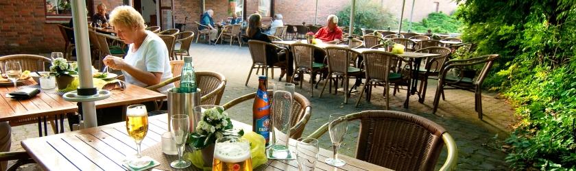 Zum Dorfkrug Ammersbek - Der Biergarten